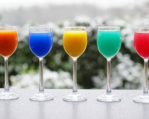 colorful-drinks-glasses-drink-juice